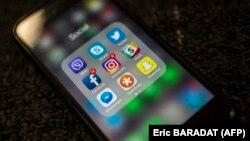 Акаунти та сторінки, які викликали підозри компанії Facebook, діяли як у самій соцмережі, так і в Instagram