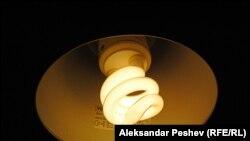 Ўзбекистон энергия тежам қилувчи лампочкаларга ўтиши мумкин.