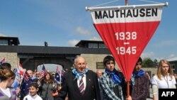 U Mauthauzenu je bilo zatvoreno oko dvesta hiljada ljudi iz više od trideset zemalja, od kojih 120 hiljada nije preživelo