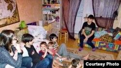 Многодетная семья (архивное фото)