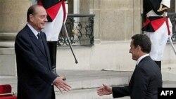 Adieu, mon president. Саркози проводил Ширака из Елисейского дворца