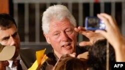 АКШнын мурдагы президенти Билл Клинтон Обаманы колдойт