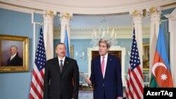Ильхам Алиев и Джон Керри. Архивное фото