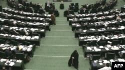 نمايندگان مجلس، تذکر ديروز خود را به وزير اطلاعات جمهوری اسلامی در باره سخنان محمد خاتمی پس گرفته اند (عکس از AFP)