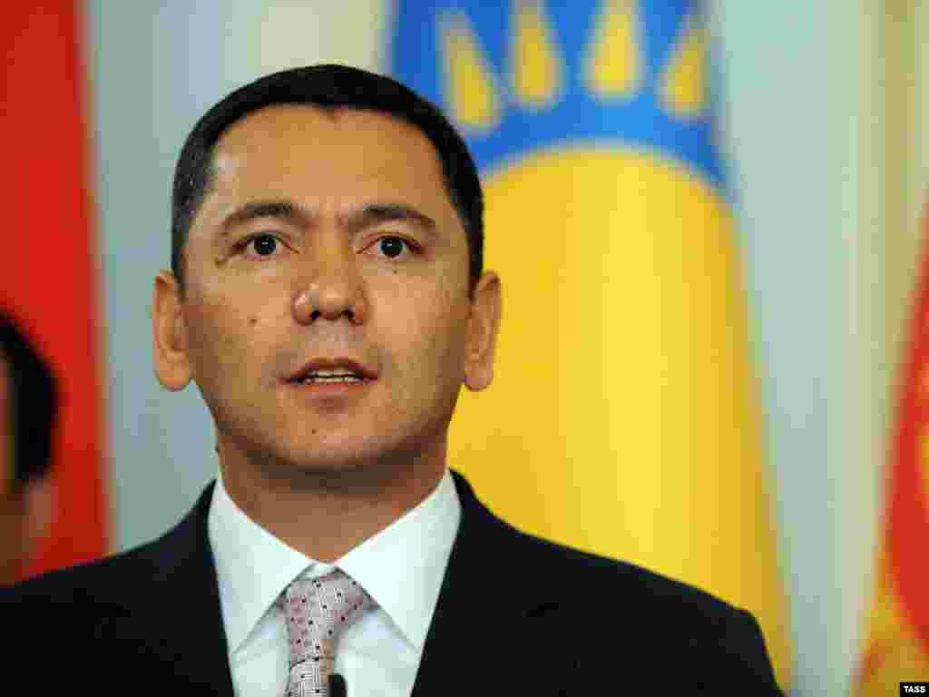 Омурбек Бабанов, новый глава кабинета министров Кыргызстана с 23 декабря 2011 года.