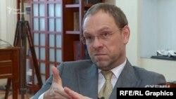 Соратник Тимошенко визначає олігархів, як великих бізнесменів, які мають медіа та впливають на політику