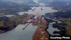 Panama - Kanali i Panamasë (Ilustrim)