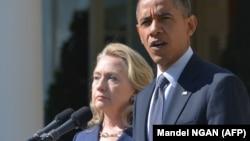 Keçmiş dövlət katibi Hillary Clinton və keçmiş prezident Barack Obama (Foto arxivdəndir)
