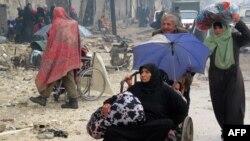 Жителі Алеппо тікають із районів, захоплених урядовими військами, 13 грудня 2016 року