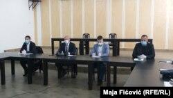 Zoran Todić, Goran Rakić, Vučina Janković, Srđan Vulović( s lijeva na desno) gradonačelnici četiri opštine na severu Kosova na konferenciji za novinare 15 aprila 2020.