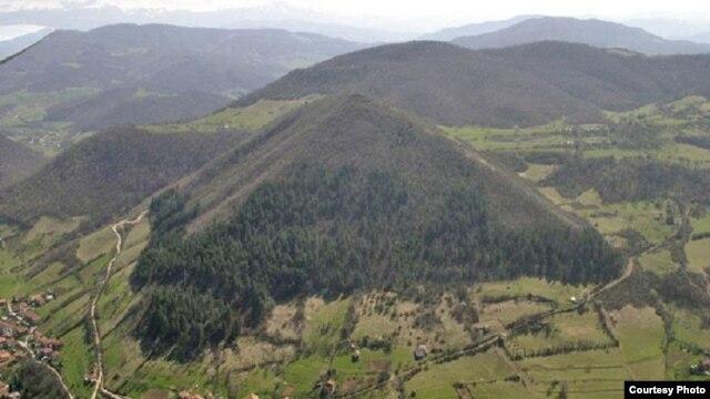 Brdo kod Visokog nazvano piramida Sunca