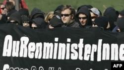 Германские левые встречают «восьмерку» во всеоружии