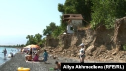 Алакөлдің Көктұма ауылы тұсындағы жағалауы. Алматы облысы, 23 тамыз 2015 жыл.