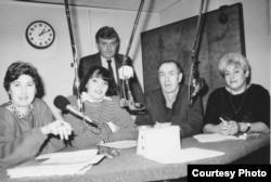Слева направо: Марина Ефимова, Эмма Тополь, Юрий Гендлер, Владимир Морозов, Рая Вайль. Нью-Йорк, 1990