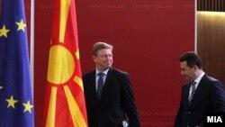 Комесарот за проширување и соседска политика на ЕУ, Штефан Филе и Премиерот Никола Груевски
