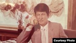 Коллеги Самандара Куканова утверждают, что он был заключен в тюрьму по личному приказу первого президента Узбекистана Ислама Каримова. Это фото было сделано в начале 90-х годов прошлого века.