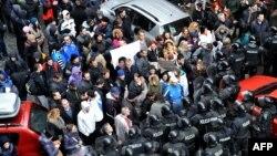 Բոսնիա-Հերցեգովինա - Բողոքի ցույցը նախագահական նստավայրի մոտ, Սարայևո, 9-ը փետրվարի, 2014թ.