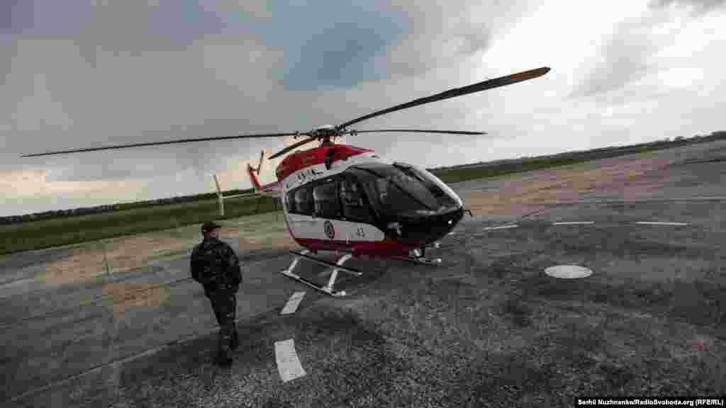 Вертоліт ЄС-145 «Єврокоптер» повітряного пункту управління. Під час пожеж із нього здійснюється моніторинг території пожежі і керування наземними і повітряними силами для ліквідації пожежі