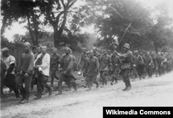 Колонна советских военнопленных. Лето 1941
