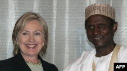 President Umaru Yar'Adua with U.S. Secretary of State Hillary Clinton in Abuja in August 2009