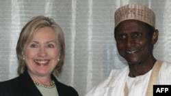 President Umaru Yar'Adua with U.S. Secretary of State Hillary Clinton in Abuja in August 2009