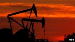 Установки по бурению нефти в Лос-Анджелесе.