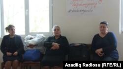 Голодающие родители активистов NIDA, матери Заура Гурбанлы, Рашадата Ахундова и Шахина Новрузлу – Сакина Гурбанова, Метанет Ахундова и Мехпара Новрузова. 21 апреля 2014