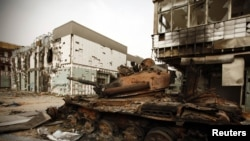 Місурата – танк кадафістаў, разбамбаваны авіяцыяй НАТО