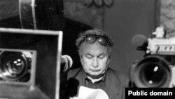 60-njy ýyllarda birnäçe ýaş spesialistler Moskwada hem Leningradda ýörite bilim alyp geldiler. Olardan biri Polat Mansurowdy.