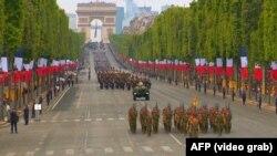 1789-жылдагы Улуу Француз революциясынын мааракеси маалындагы салтанаттуу парад. Париж, 2019-жылдын 14-июлу.