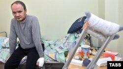 Соққыға жығылған ресейлік жуналист Олег Кашин ауруханада. 28 желтоқсан 2010 жыл.