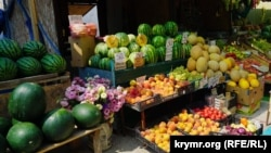 Ukraine, Crimea - Prices of the traders in fruit and vegetables, 28Jul2016