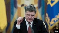 Президент Украины Петр Порошенко на заседании СНБО
