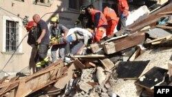 Իտալիա - Փրկարարական աշխատանքները Ամատրիչե քաղաքում, 24-ը օգոստոսի, 2016թ.