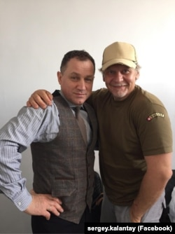 Заслужений артист Сергій Калантай і народний артист Анатолій Гнатюк (зліва)