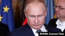 Zelenskiy and Putin at December 9, 2019 Paris summit