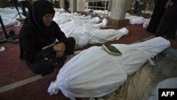 Եգիպտոս - Բախումների հետևանքով զոհվածների բազմաթիվ դիեր Կահիրեի մզկիթներից մեկում, 15-ը օգոստոսի, 2013թ․