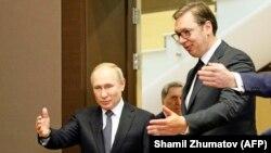 Президент Росії Володимир Путін (л) приймає сербського колегу Александара Вучича (п) в своїй резиденції у Сочі, Росія, грудень 2019 року