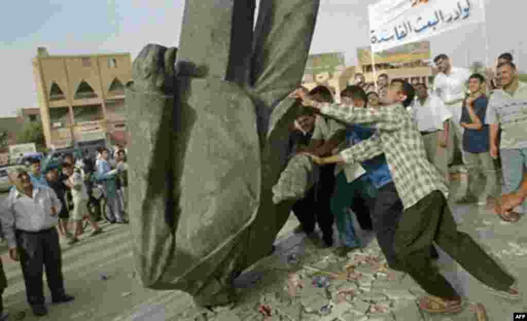 در نهم آوریل سال ۲۰۰۳ بغداد سقوط کرد و زمامداری ۲۴ ساله صدام حسین به پایان رسید.