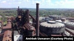 Эски металлургиялык заводдун концерттик залга айлантылган мурдакы газ коллектору. Острава шаары.