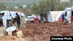 نازحون في مخيم الأصيل بريف إدلب الشمالي
