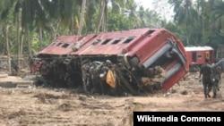 2004-cü ildə Şri-Lankada baş vermiş sunaminin apardığı qatarın vaqonu