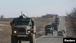 Колонна военной техники пророссийских сепаратистов в Донецкой области.