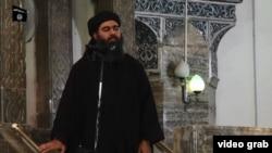 تصویر ابوبکر البغدادی، خلیفه خودخوانده گروه در ویدئویی که در سال گذشته منتشر شد