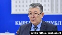 Нурболот Үсөнбаев.