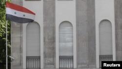 Западные державы выслали сирийских дипломатов из своих стран, после жестокой расправы над мирными сирийцами в Талду.