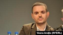 Patrijarh bio direktna podrška Miloševićevoj politici: Milivoj Bešlin