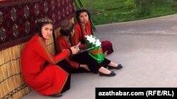 Türkmen gyzlary