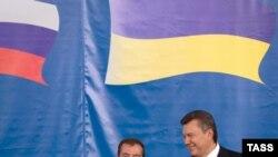 Президенти Дмитро Медведєв і Віктор Янукович на зустрічі у Донецьку, 18 жовтня 2011 року