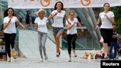 مسابقات دو ۵۰ متر خانمهای پاشنهبلندپوش در تفلیس